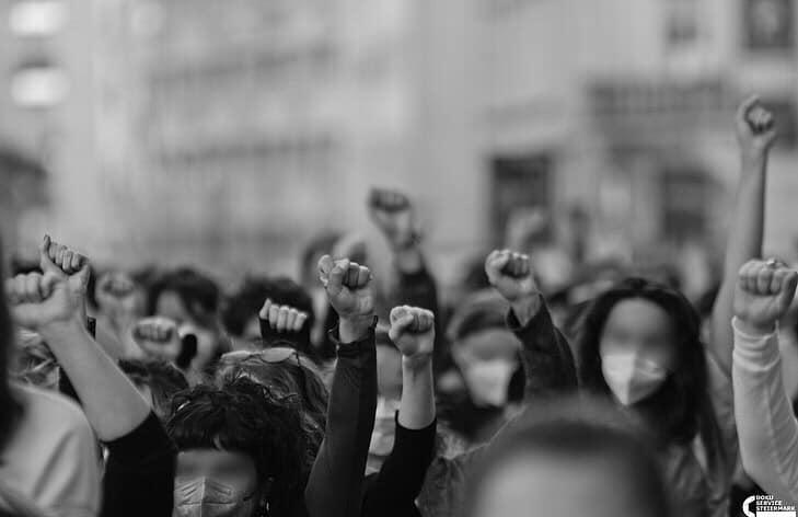 WH: Tag des feministischen Radios: Patriarchale Strukturen und Machtspiele als Ursachen für häusliche Gewalt